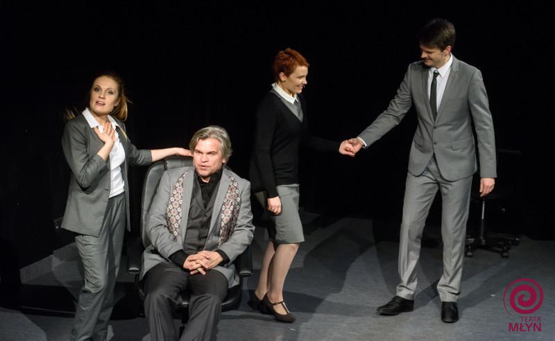 Modern_women_teatr_mlyn